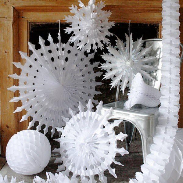 Большие снежинки из ватмана на новый год своими руками