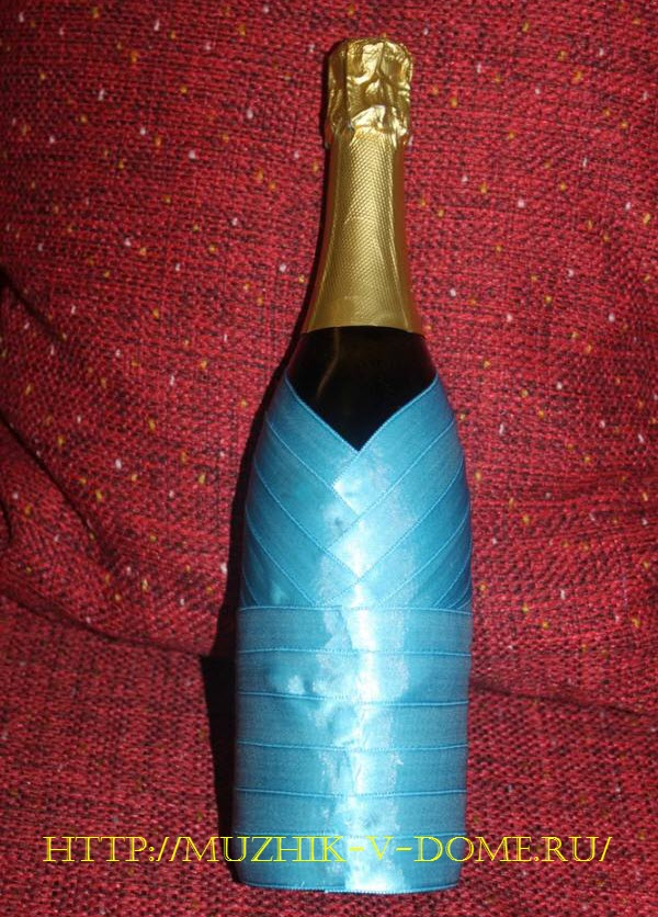 новогоднее оформление бутылки шампанского в виде снегурочки