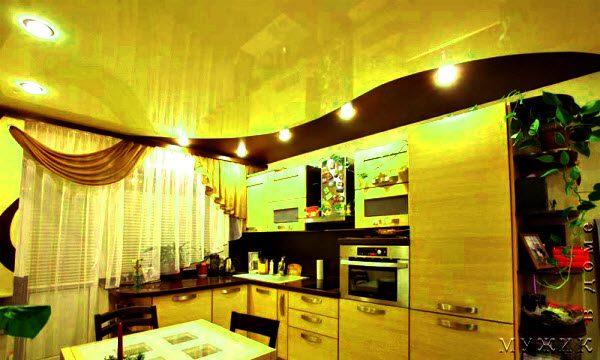 можно или нет натяжной потолок в кухне