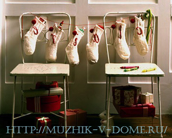 новогодняя гирлянда своими руками из носочков
