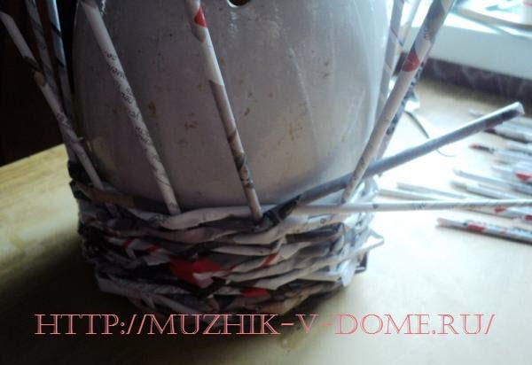 Как изготовить вазу из старой газеты
