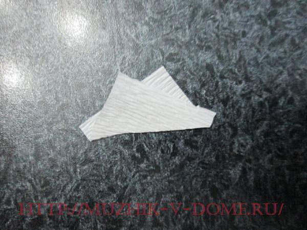 изготавливаем новогоднюю объемную снежинку из бумаги своими руками
