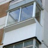osteklenie balkonov v hrushevke