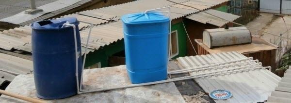 летний душ на даче из пластиковых бочек