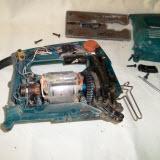 ремонт электрического лобзика своими руками замена опорного ролика макита