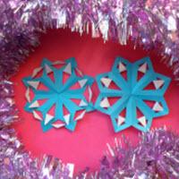 Как делать снежинки из цветной бумаги