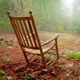 Реинкарнация старой мебели: перетяжка стула своими руками
