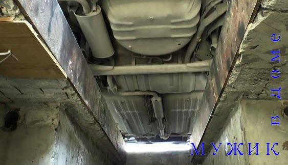 замена масла двигателя автомобиля